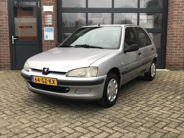 Peugeot-106